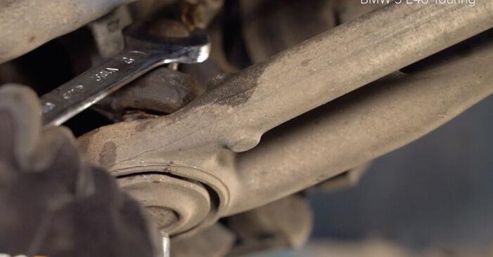 BMW 3 SERIES 330xi 3.0 Stoßdämpfer austauschen: Tutorials und Video-Anweisungen online