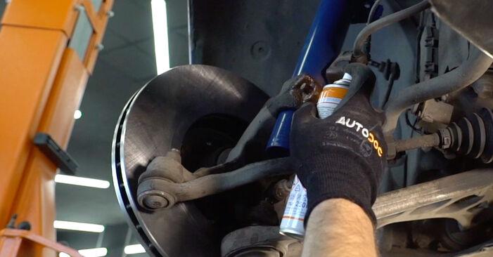 Wie man Stoßdämpfer am BMW 3 Touring (E46) 2002 ersetzt - Hinweise und Ratschläge