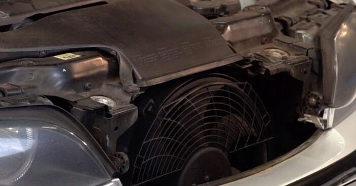 Wie schwer ist es, selbst zu reparieren: Koppelstange BMW E46 Touring 330xd 2.9 2005 Tausch - Downloaden Sie sich illustrierte Anleitungen