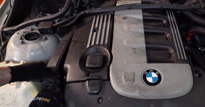Austauschen Anleitung Luftfilter am BMW E46 Touring 2002 320d 2.0 selbst