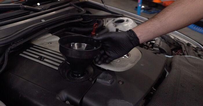 Comment retirer BMW 3 SERIES 330d 3.0 2003 Filtre à Huile - instructions en ligne faciles à suivre