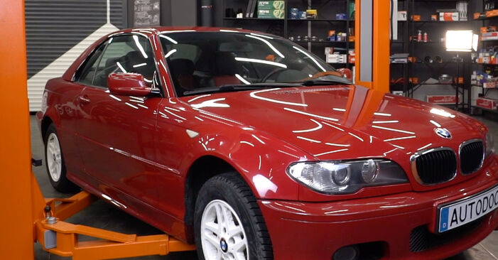 How to replace Air Filter on BMW 3 Convertible (E46) 2005: download PDF manuals and video instructions