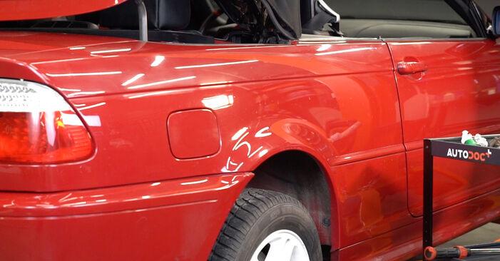 Kako težko to naredite sami: Blazilnik zamenjava na BMW 3 Convertible (E46) 320Cd 2.0 2006 - prenesite slikovni vodnik