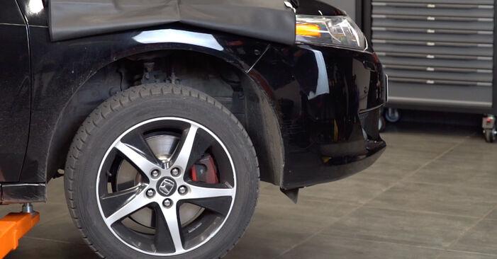 Quão difícil é efetuar a substituição de Amortecedor no Honda Accord VIII CU 2.2 i-DTEC (CU3) 2014 por si mesmo - descarregue o guia ilustrado