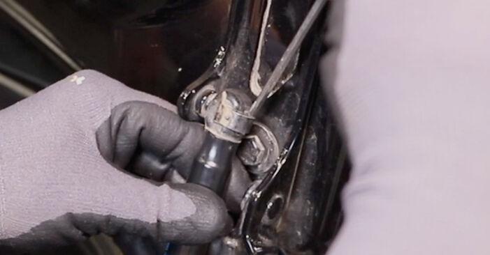 Wie Heckklappendämpfer OPEL Astra H Limousine (A04) 1.7 CDTi (L69) 2008 austauschen - Schrittweise Handbücher und Videoanleitungen