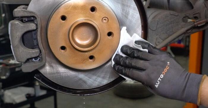 Не е трудно да го направим сами: смяна на Амортисьор на Opel Astra H Седан 1.6 (L69) 2013 - свали илюстрирано ръководство