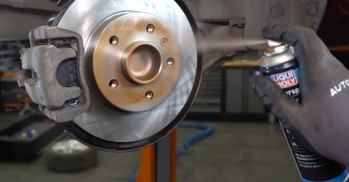Wie Bremsscheiben Opel Astra H Limousine 1.6 (L69) 2007 tauschen - Kostenlose PDF- und Videoanleitungen