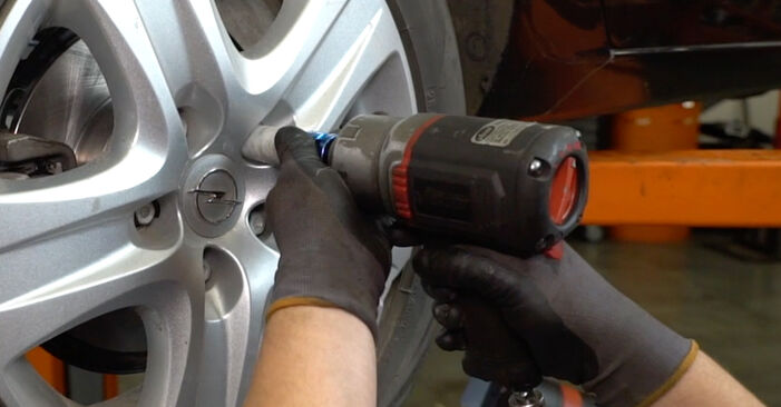 Wechseln Bremsscheiben am OPEL Astra H Limousine (A04) 1.8 (L69) 2010 selber
