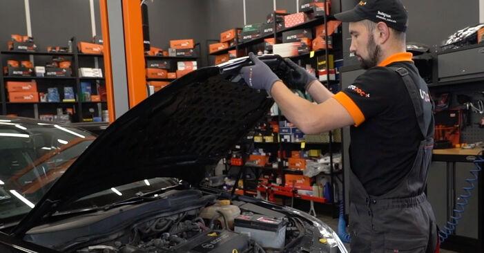 Kaip pakeisti Stabdžių Kaladėlės la Opel Astra H Sedanas 2007 - nemokamos PDF ir vaizdo pamokos
