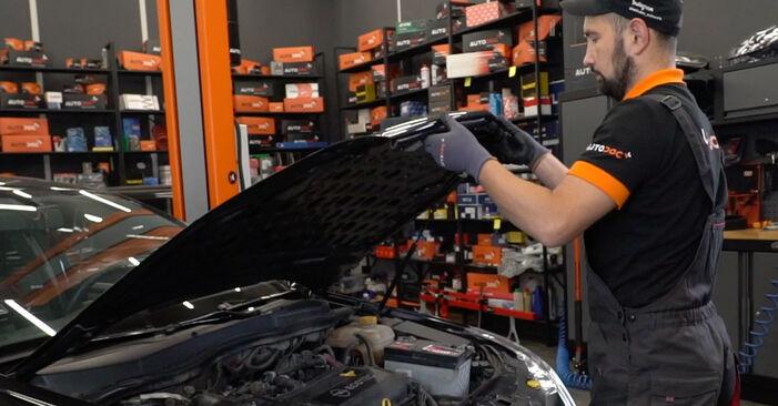 Kaip pakeisti Stabdžių diskas la Opel Astra H Sedanas 2007 - nemokamos PDF ir vaizdo pamokos