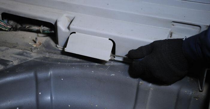 Stoßdämpfer am DODGE CALIBER 2.2 CRD 2011 wechseln – Laden Sie sich PDF-Handbücher und Videoanleitungen herunter