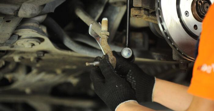 Austauschen Anleitung Spurstangenkopf am Peugeot 406 Limousine 2005 2.0 HDI 110 selbst