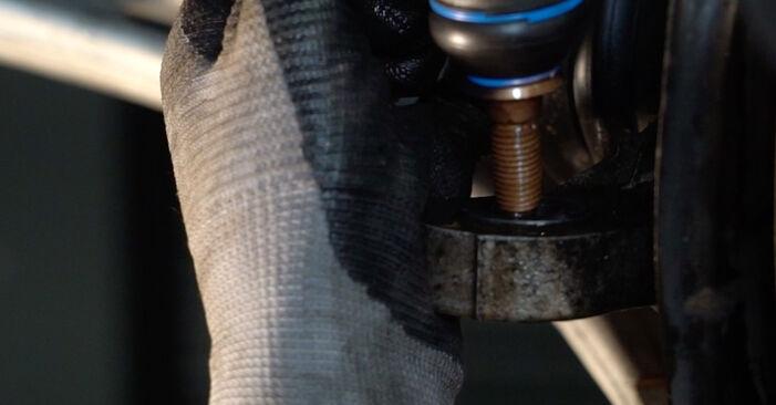 Schritt-für-Schritt-Anleitung zum selbstständigen Wechsel von Peugeot 406 Limousine 1997 1.9 TD Spurstangenkopf