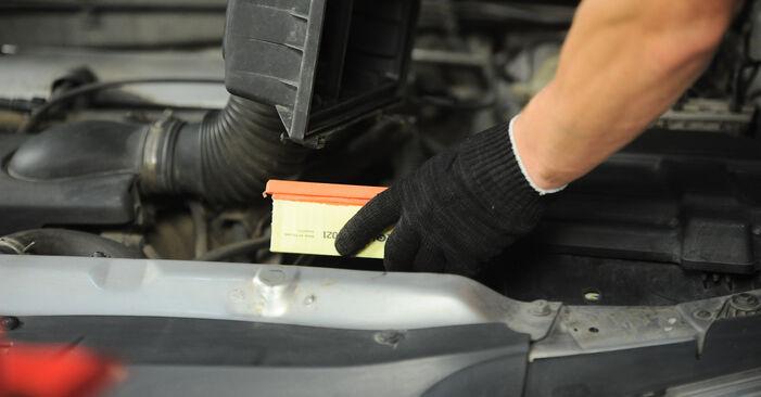 Luftfilter beim PEUGEOT 406 2.0 16V 2002 selber erneuern - DIY-Manual
