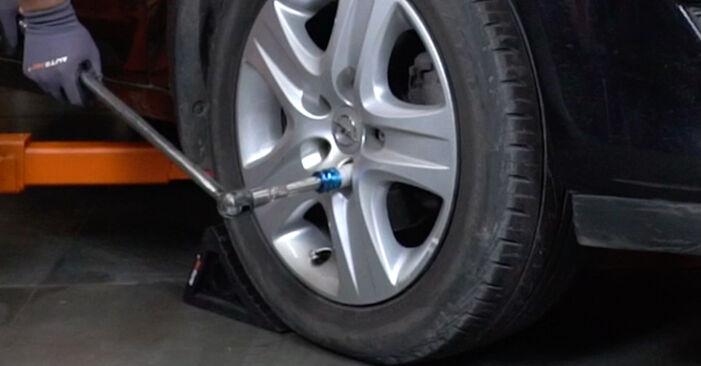 Stoßdämpfer Opel Astra H Limousine 1.3 CDTi (L69) 2009 wechseln: Kostenlose Reparaturhandbücher