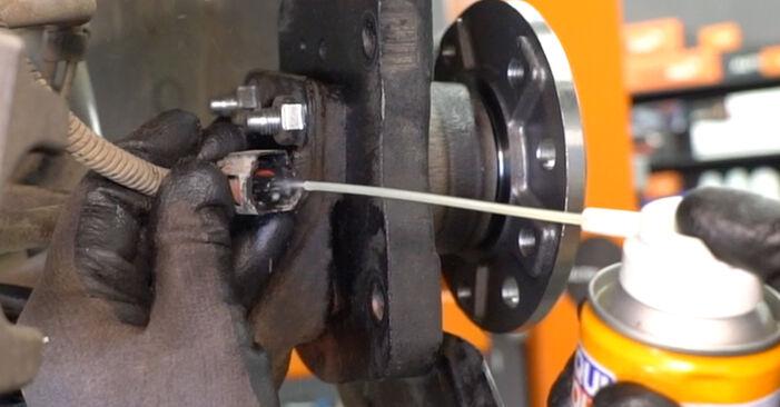 Стъпка по стъпка препоруки за самостоятелна смяна на Opel Astra H Седан 2012 1.7 CDTI (L69) Колесен лагер