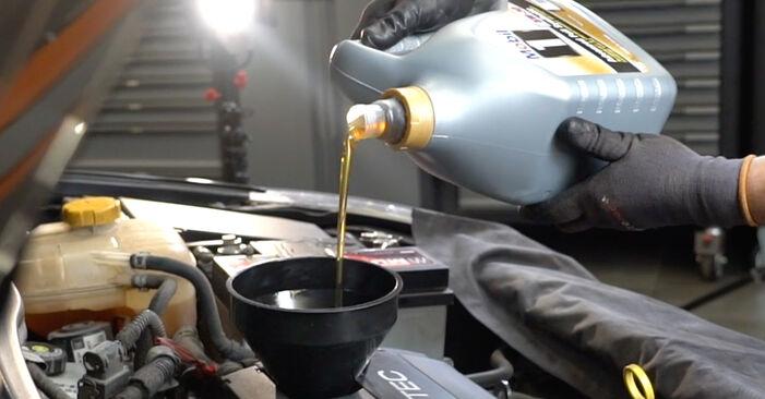 Ölfilter Ihres Opel Astra H Limousine 1.3 CDTi (L69) 2007 selbst Wechsel - Gratis Tutorial