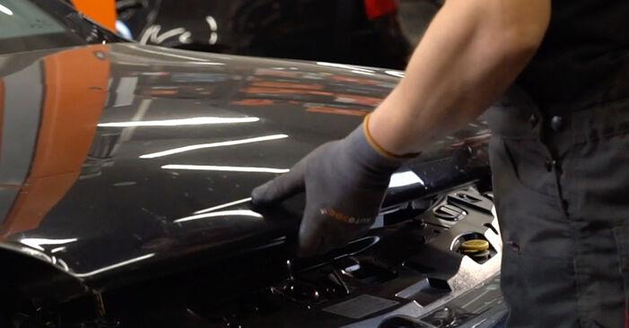 Wie Ölfilter Opel Astra H Limousine 1.6 (L69) 2007 tauschen - Kostenlose PDF- und Videoanleitungen