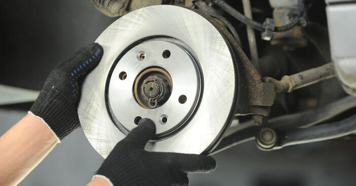 Wechseln Bremsscheiben am PEUGEOT 406 (8B) 2.1 TD 12V 1998 selber