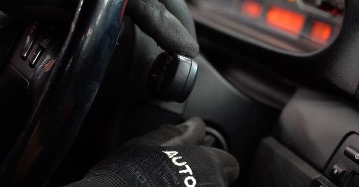 Wie schwer ist es, selbst zu reparieren: Scheibenwischer BMW E46 Touring 330xd 2.9 2005 Tausch - Downloaden Sie sich illustrierte Anleitungen
