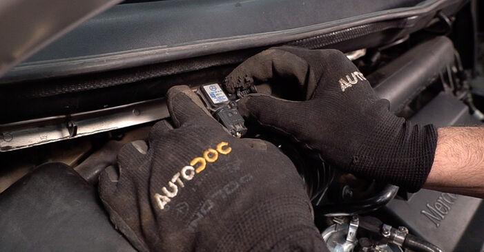 Stoßdämpfer Ihres Mercedes W638 Bus 108 CDI 2.2 (638.194) 1996 selbst Wechsel - Gratis Tutorial