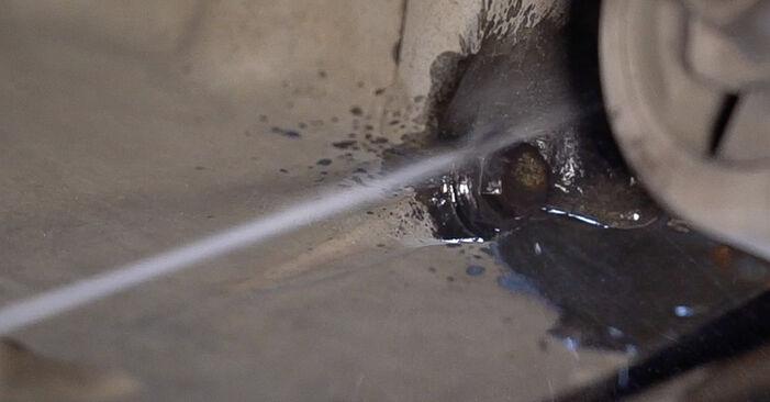 Wie MERCEDES-BENZ VITO 108 D 2.3 (638.164) 2000 Ölfilter ausbauen - Einfach zu verstehende Anleitungen online
