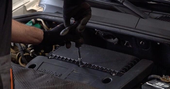 Luftfilter Fiat Doblo Cargo 1.9 D 2002 wechseln: Kostenlose Reparaturhandbücher
