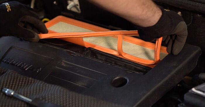 Wie FIAT DOBLO 1.3 JTD 16V 2004 Luftfilter ausbauen - Einfach zu verstehende Anleitungen online