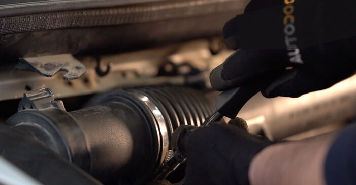 Wie schwer ist es, selbst zu reparieren: Federn Mercedes W638 Bus 113 2.0 (638.114, 638.194) 2002 Tausch - Downloaden Sie sich illustrierte Anleitungen