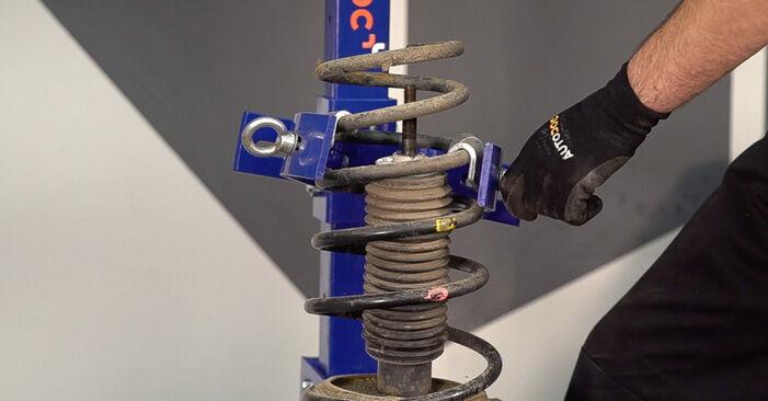 Stoßdämpfer beim FIAT DOBLO 1.3 JTD 16V Multijet 2007 selber erneuern - DIY-Manual