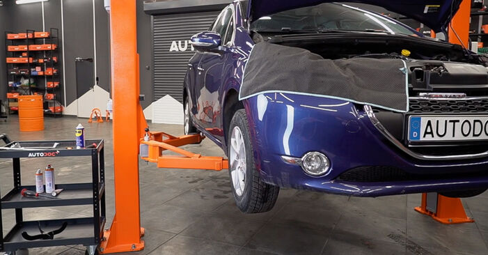 Peugeot 208 Mk1 1.2 2014 Anti Roll Bar Links replacement: free workshop manuals