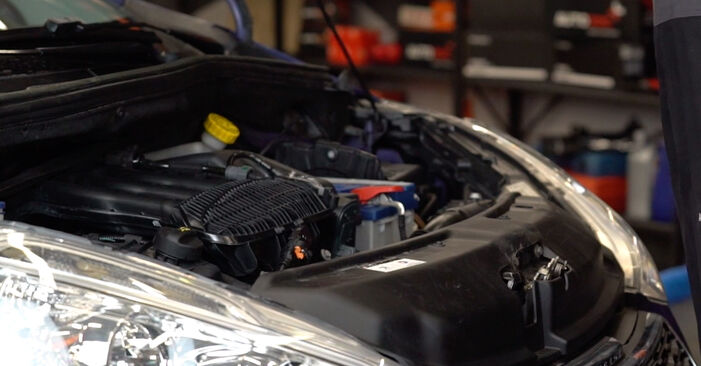 Comment changer Filtre à Air sur Peugeot 208 CC 2012 - Manuels PDF et vidéo gratuits