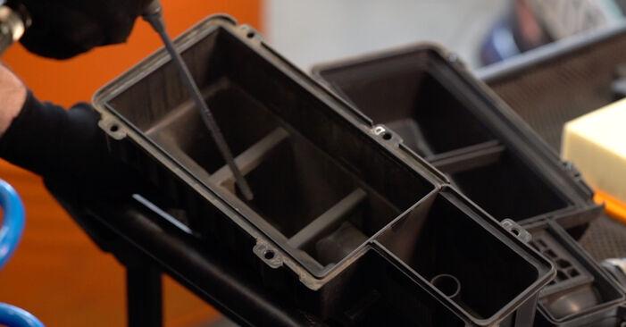 Remplacer Filtre à Air sur Peugeot 208 CC 2012 1.4 HDi par vous-même