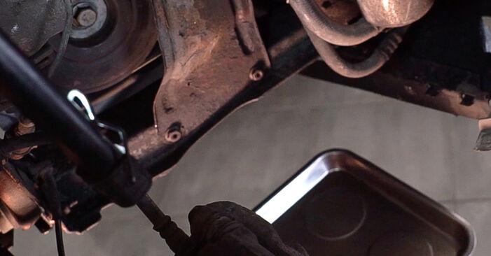 Tausch Tutorial Kraftstofffilter am RENAULT SCÉNIC II (JM0/1_) 2007 wechselt - Tipps und Tricks
