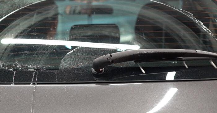 Как да демонтираме FIAT BRAVA 1.4 LPG 2010 Перо на чистачка - онлайн лесни за следване инструкции