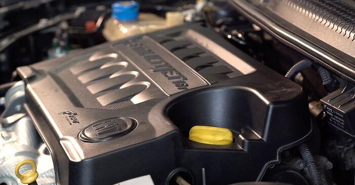Comment remplacer FIAT BRAVO II (198) 1.9 D Multijet 2007 Filtre à Carburant - manuels pas à pas et guides vidéo