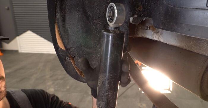 Svojpomocná výmena Tlmič pruzenia na aute Fiat Doblo Cargo 2010 1.9 JTD