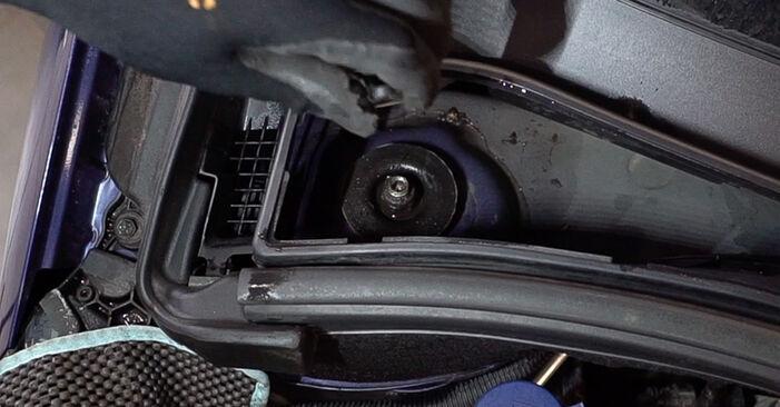 Wechseln Stoßdämpfer am PEUGEOT 208 I Schrägheck (CA_, CC_) 1.6 BlueHDi 100 2015 selber