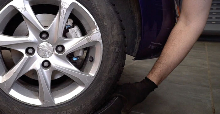 Stoßdämpfer beim PEUGEOT 208 1.6 GTi 2019 selber erneuern - DIY-Manual