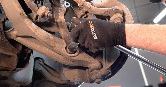 Podrobná doporučení pro svépomocnou výměnu Alfa Romeo 159 Sportwagon 2012 2.4 JTDM (939.BXM1B) Tlumic perovani
