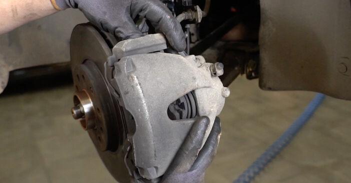 Tausch Tutorial Radlager am OPEL Astra H Limousine (A04) 2011 wechselt - Tipps und Tricks