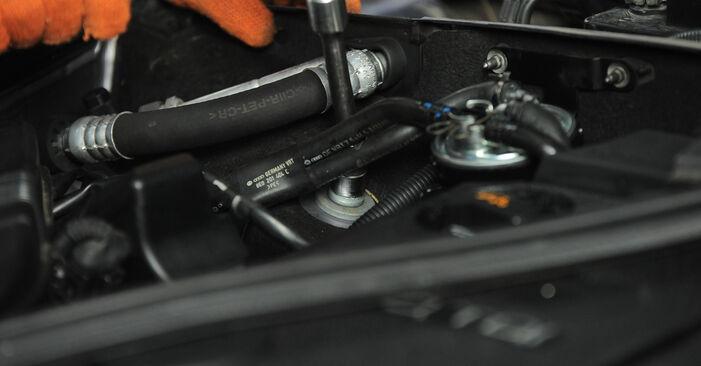 Changer Ressort d'Amortisseur sur AUDI A4 Avant (8ED, B7) 2.0 TDI quattro 2007 par vous-même