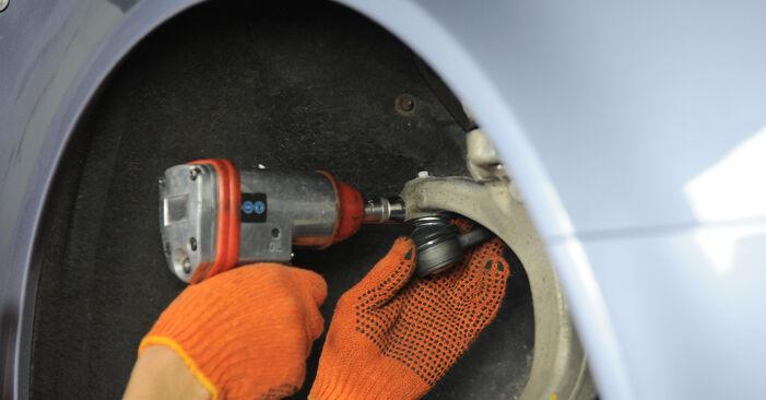 Wie AUDI A4 2.0 TFSI quattro 2008 Spurstangenkopf ausbauen - Einfach zu verstehende Anleitungen online