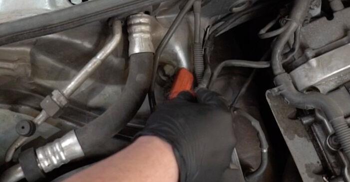Kaip nuimti AUDI A4 2.0 2008 Spyruoklės - nesudėtingos internetinės instrukcijos