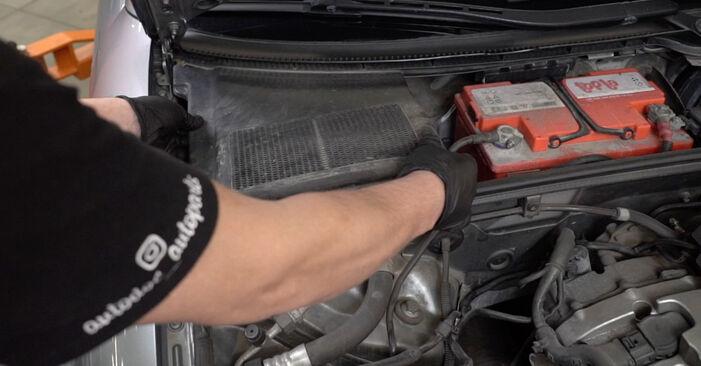 Stoßdämpfer Audi A4 B7 Limousine 2.0 TDI 2006 wechseln: Kostenlose Reparaturhandbücher