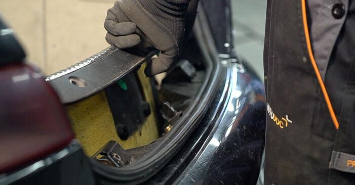 Tausch Tutorial Stoßdämpfer am ALFA ROMEO 159 Sportwagon (939) 2011 wechselt - Tipps und Tricks