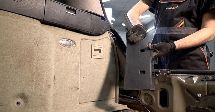 Schritt-für-Schritt-Anleitung zum selbstständigen Wechsel von Alfa Romeo 159 Sportwagon 2012 2.4 JTDM (939.BXM1B) Stoßdämpfer