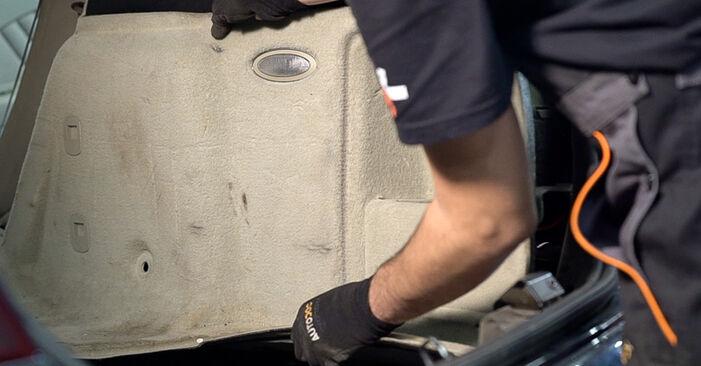Wie Stoßdämpfer Alfa Romeo 159 Sportwagon 1.9 JTDM 16V 2006 tauschen - Kostenlose PDF- und Videoanleitungen