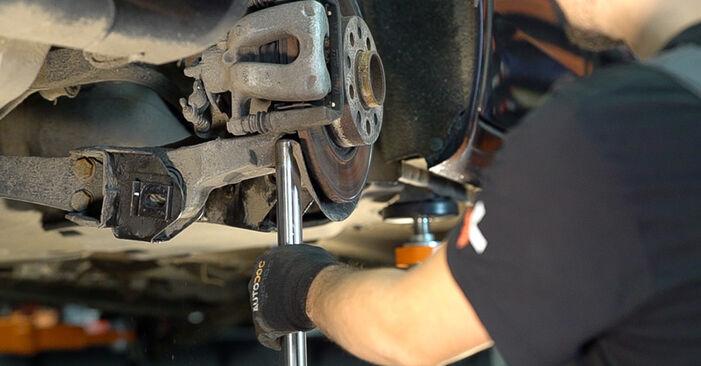 Wie schwer ist es, selbst zu reparieren: Stoßdämpfer Alfa Romeo 159 Sportwagon 1.8 TBi 2012 Tausch - Downloaden Sie sich illustrierte Anleitungen