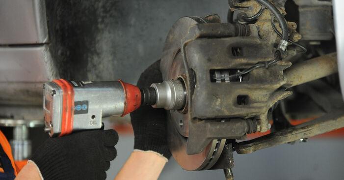 Peugeot 406 Sedan 1.8 16V 1997 Supporto Ammortizzatore sostituzione: manuali dell'autofficina